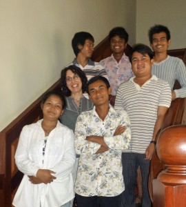 Sarah and the 6 storytellers in Preah Vihear province